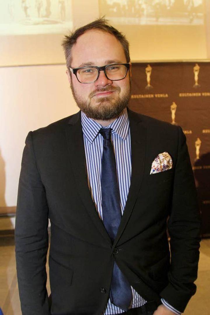 Tuomas Enbuske Kolumni