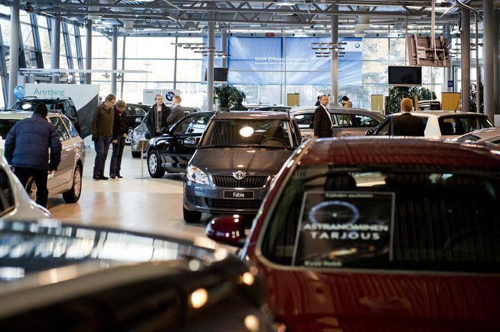 Uuden Auton Kaupan Purku